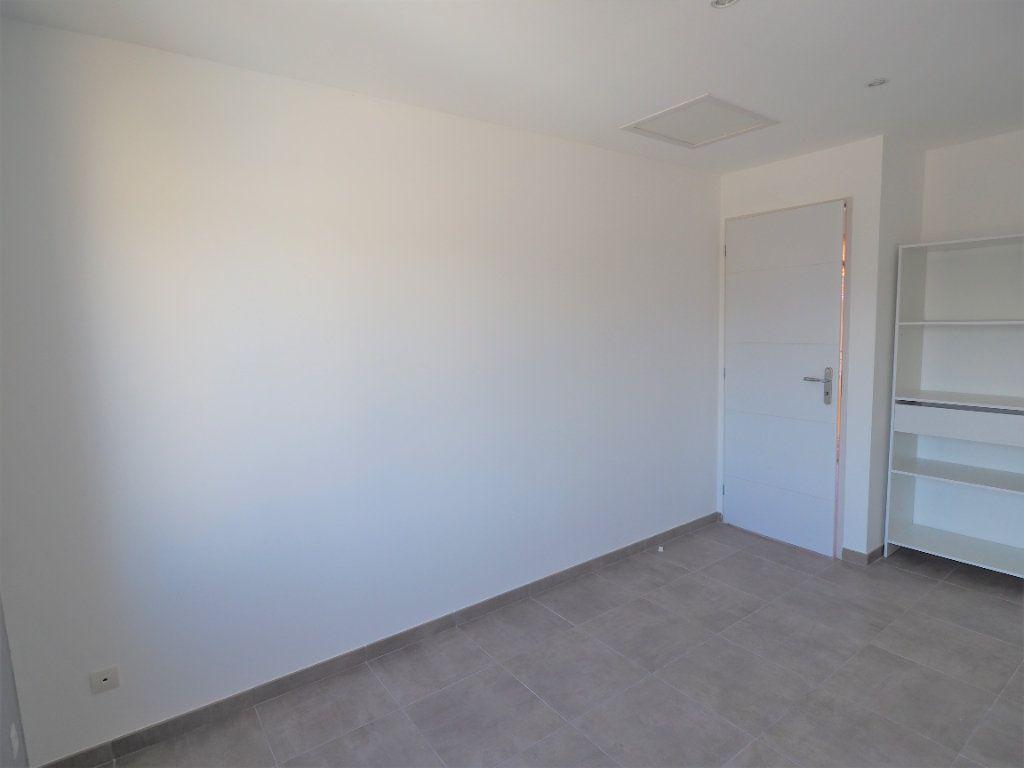 Appartement à louer 2 33.13m2 à Bollène vignette-7