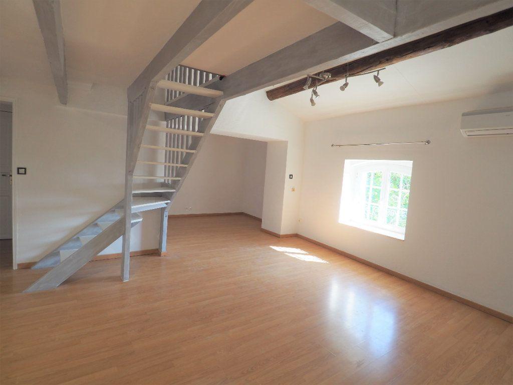 Appartement à louer 4 83.2m2 à Richerenches vignette-3