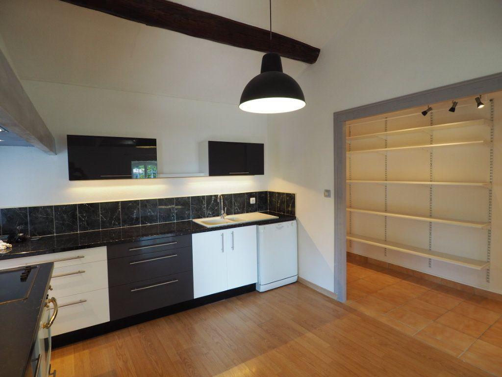 Appartement à louer 4 83.2m2 à Richerenches vignette-4