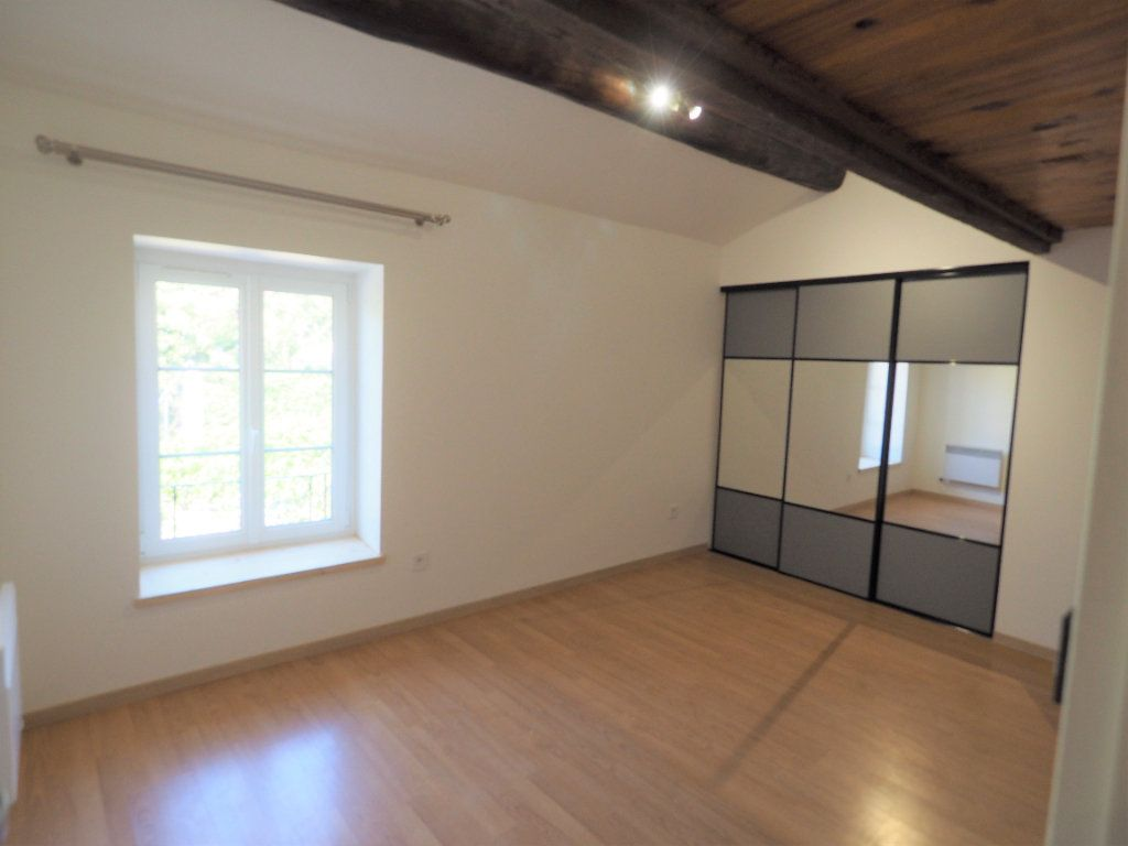 Appartement à louer 4 83.2m2 à Richerenches vignette-5