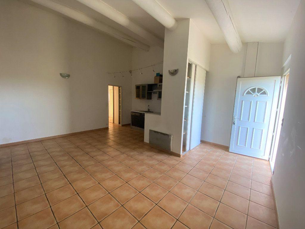 Maison à vendre 3 62.21m2 à Rochegude vignette-1