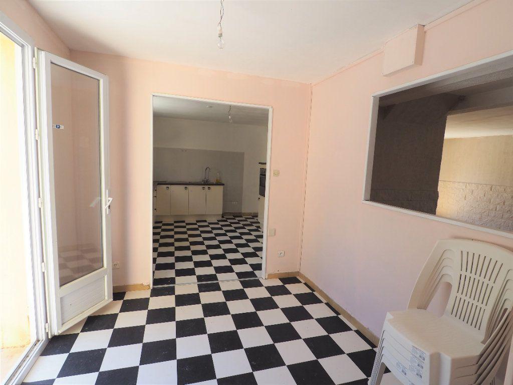 Maison à louer 6 119.5m2 à Bollène vignette-8