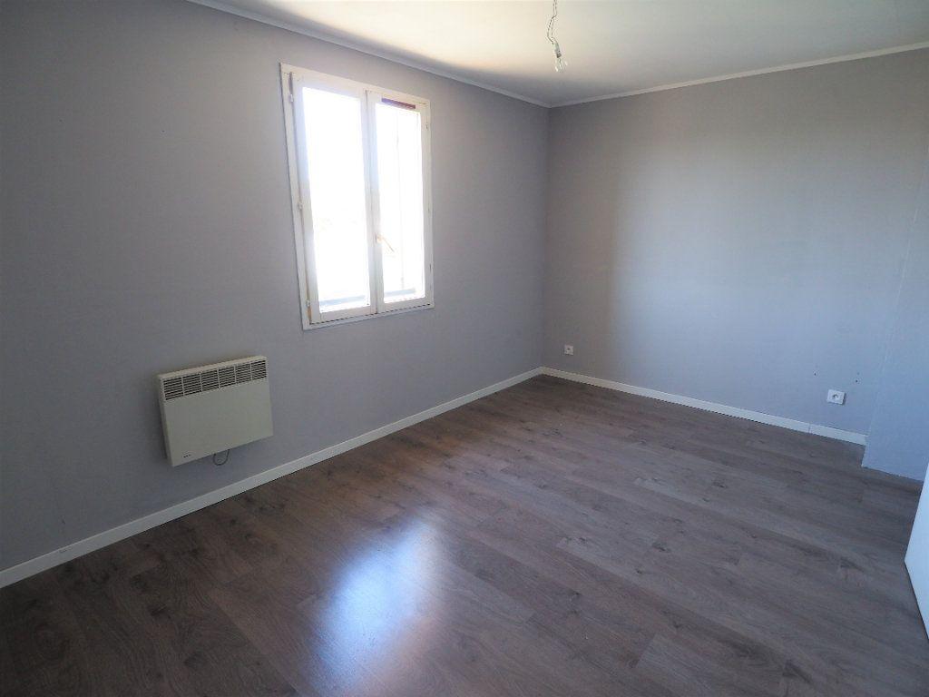 Maison à louer 6 119.5m2 à Bollène vignette-11