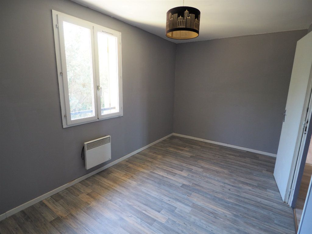 Maison à louer 6 119.5m2 à Bollène vignette-12