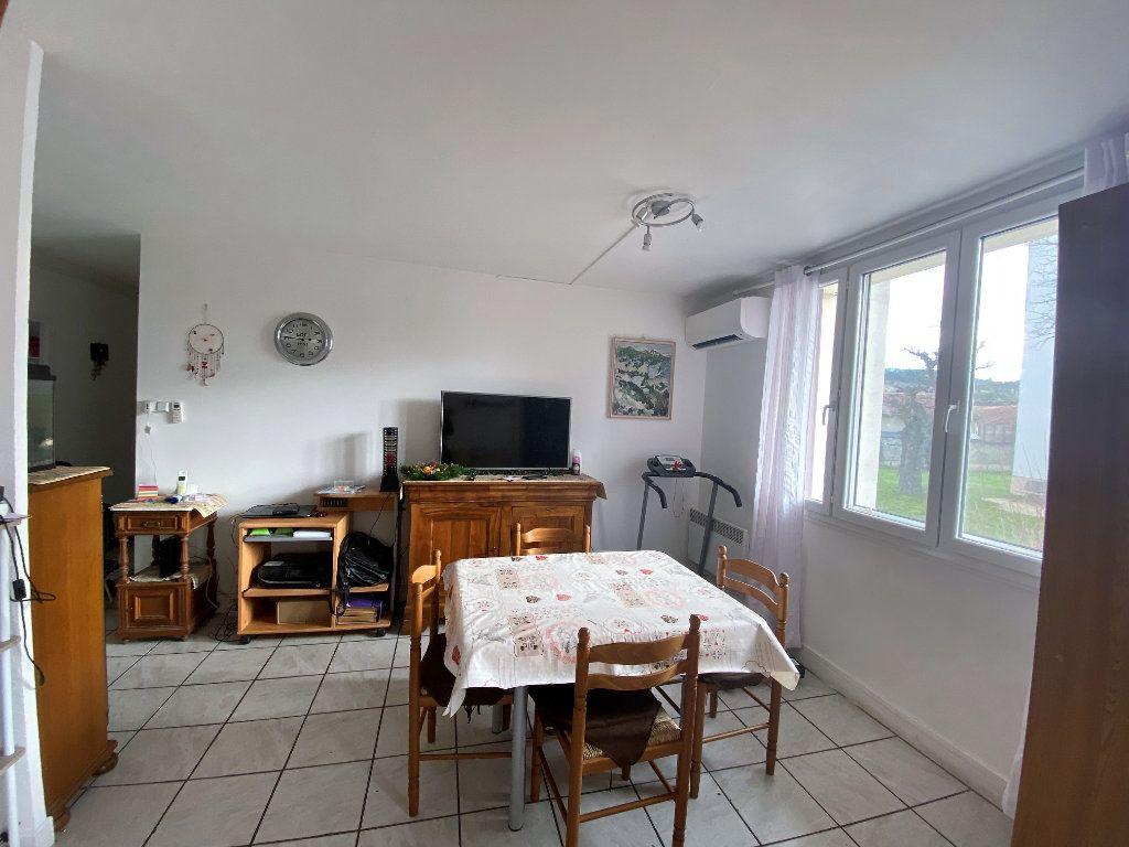 Appartement à vendre 4 61.76m2 à Valréas vignette-1