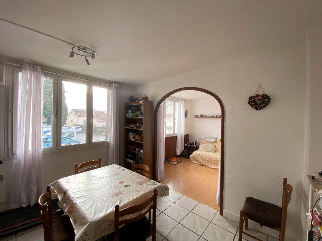 Appartement à vendre 4 61.76m2 à Valréas vignette-2