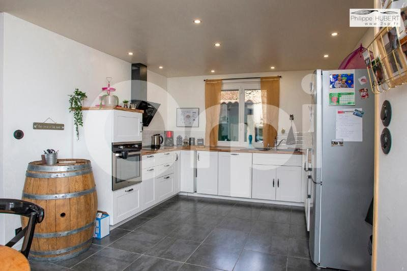 Maison à vendre 6 136.11m2 à Mondragon vignette-8