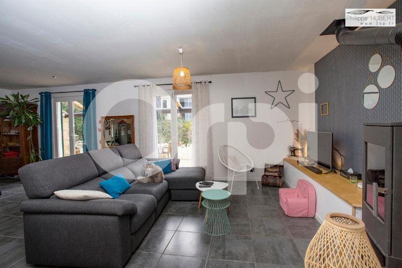 Maison à vendre 6 136.11m2 à Mondragon vignette-10