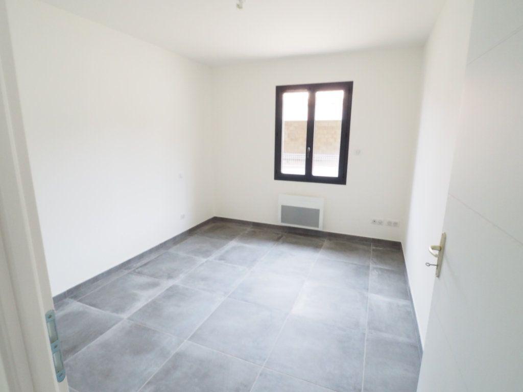 Maison à louer 6 116.02m2 à Bollène vignette-9
