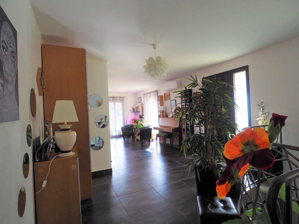 Maison à vendre 8 183.25m2 à Bollène vignette-4