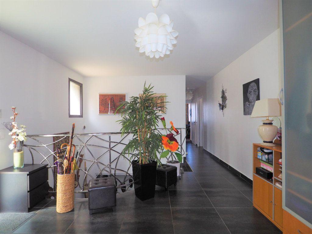 Maison à vendre 8 183.25m2 à Bollène vignette-5