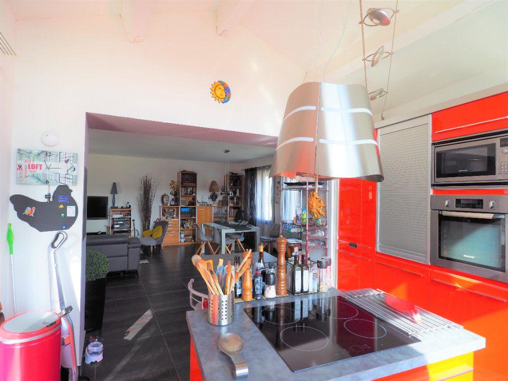 Maison à vendre 8 183.25m2 à Bollène vignette-9