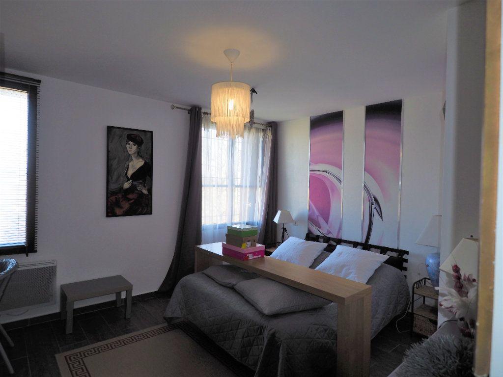 Maison à vendre 8 183.25m2 à Bollène vignette-16