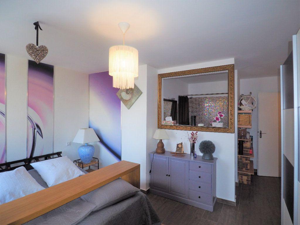 Maison à vendre 8 183.25m2 à Bollène vignette-17