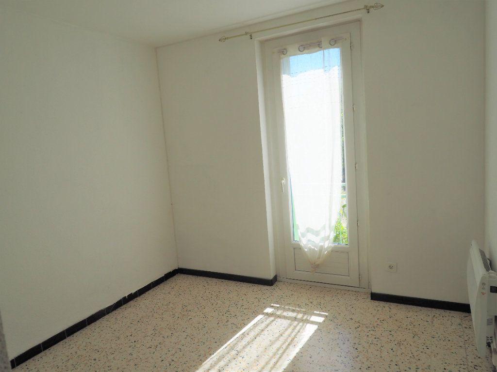 Appartement à louer 3 55.34m2 à Bollène vignette-10
