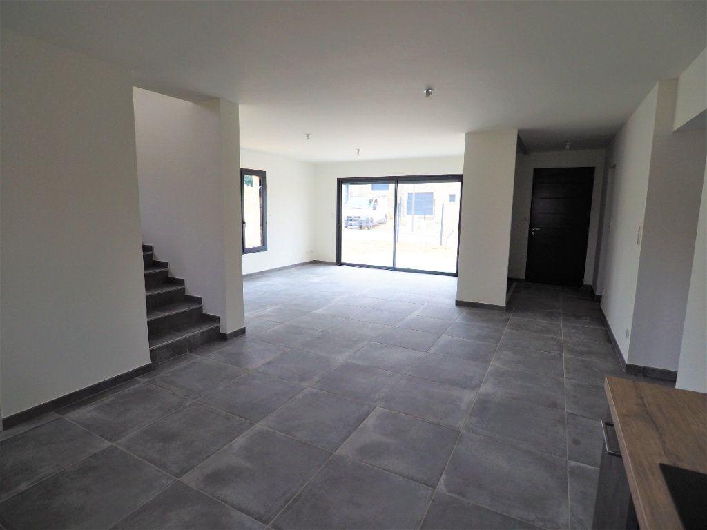 Maison à louer 6 116.02m2 à Bollène vignette-4