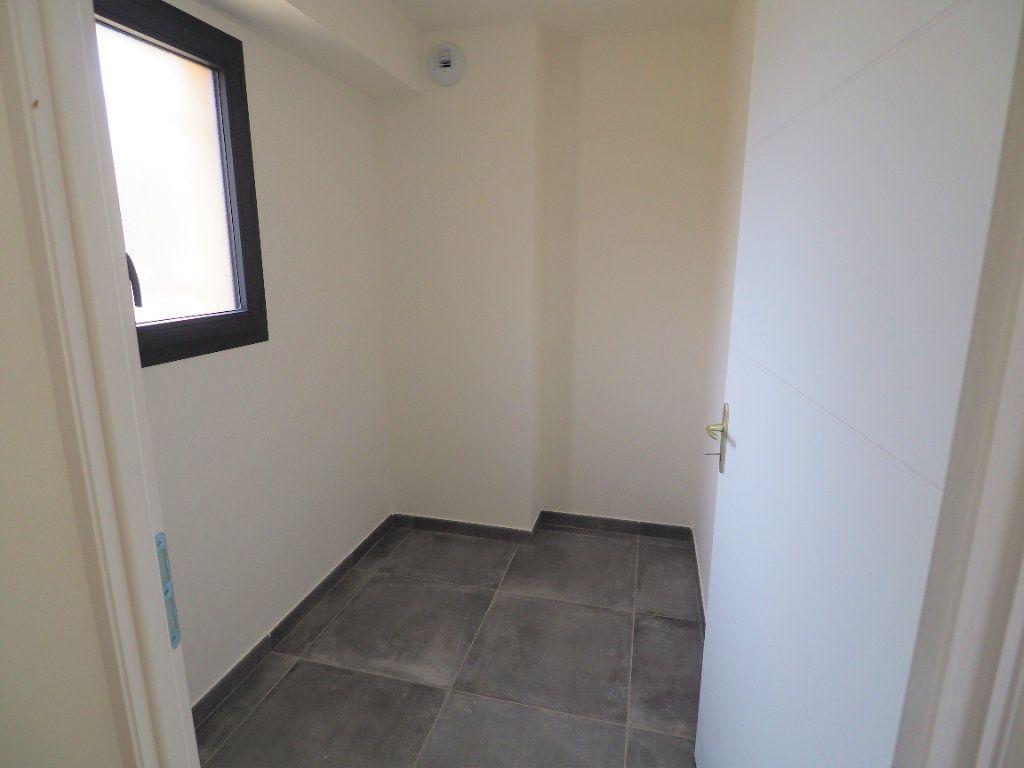 Maison à louer 6 116.02m2 à Bollène vignette-5