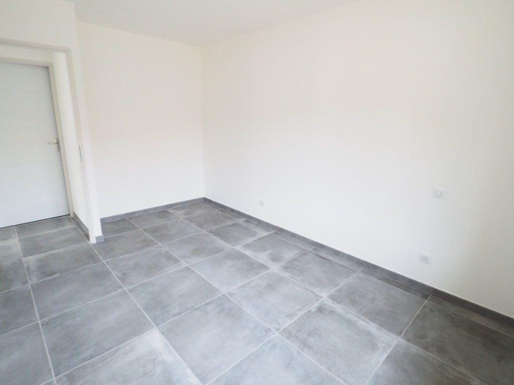 Maison à louer 6 116.02m2 à Bollène vignette-7