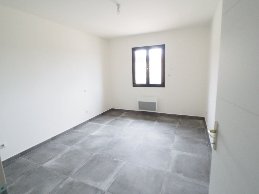 Maison à louer 6 116.02m2 à Bollène vignette-10