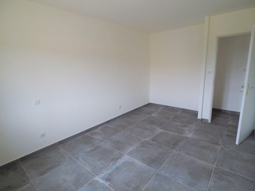 Maison à louer 6 116.02m2 à Bollène vignette-13
