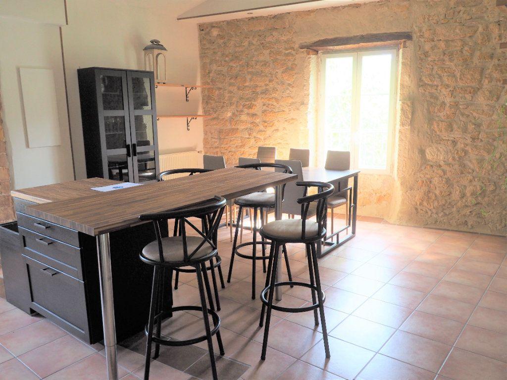 Appartement à louer 5 127.38m2 à Suze-la-Rousse vignette-2