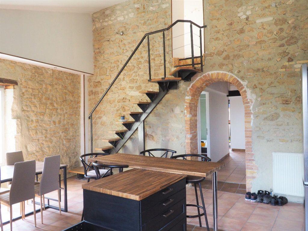 Appartement à louer 5 127.38m2 à Suze-la-Rousse vignette-3