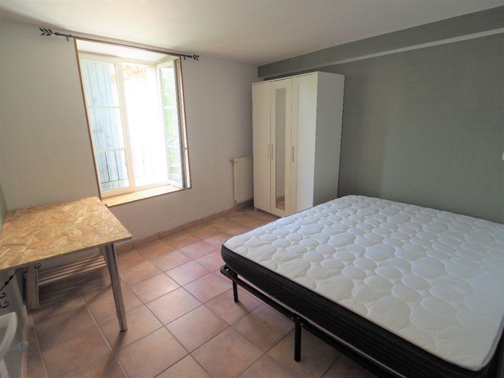 Appartement à louer 5 127.38m2 à Suze-la-Rousse vignette-6