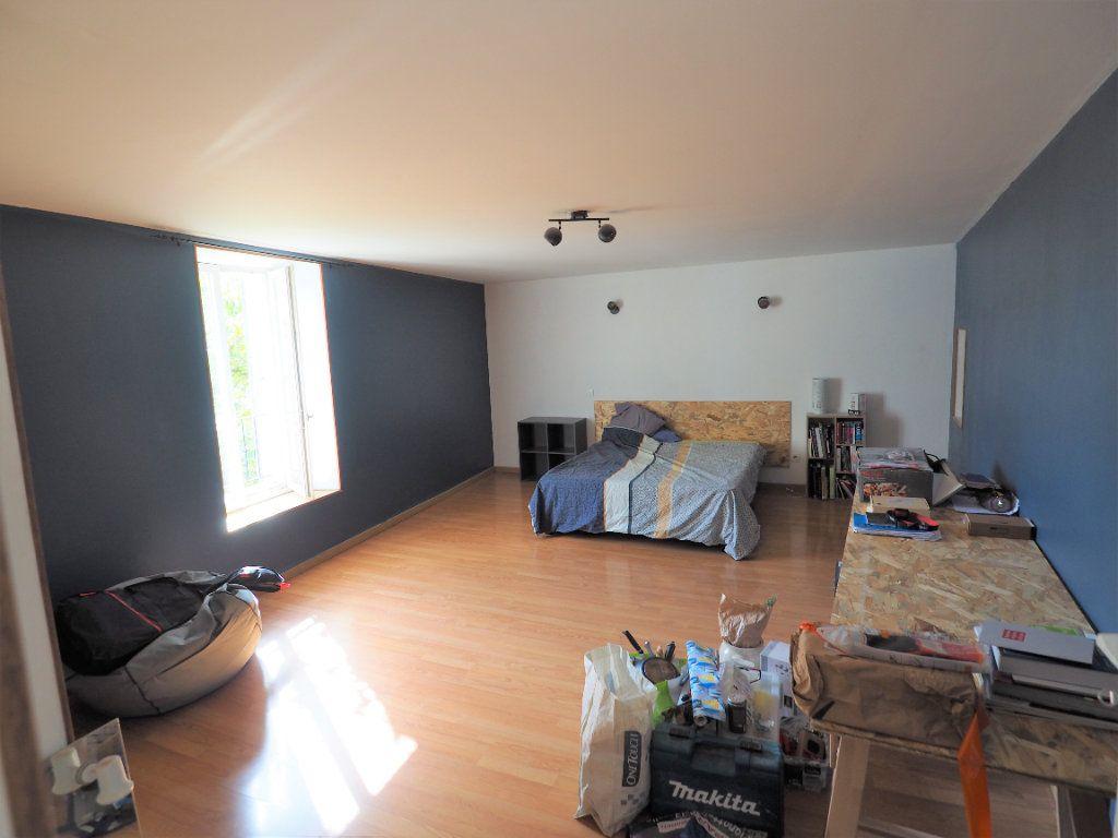 Appartement à louer 5 127.38m2 à Suze-la-Rousse vignette-10