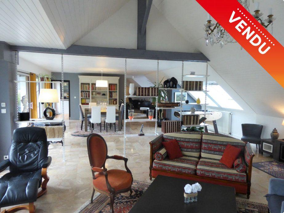 Appartement à vendre 5 215m2 à Quimper vignette-1