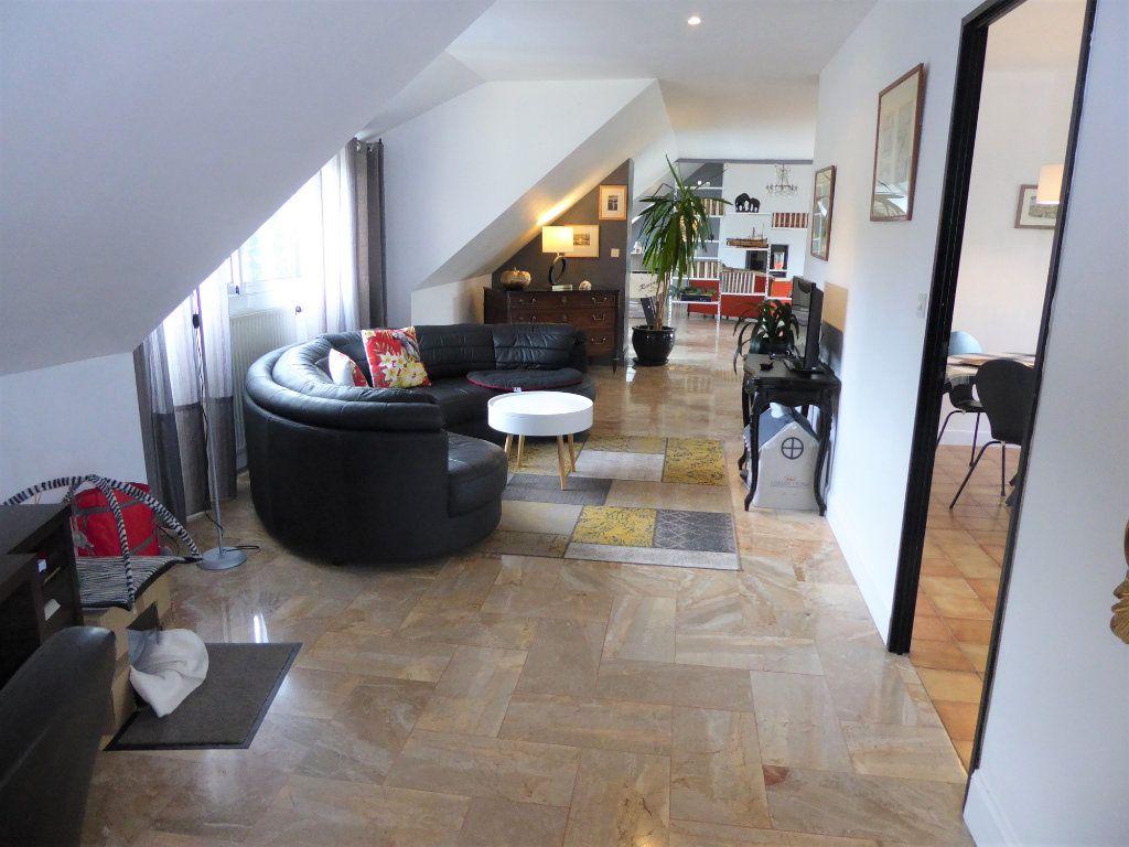 Appartement à vendre 5 215m2 à Quimper vignette-4