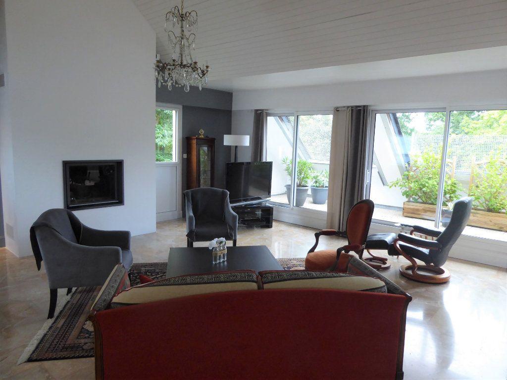 Appartement à vendre 5 215m2 à Quimper vignette-8