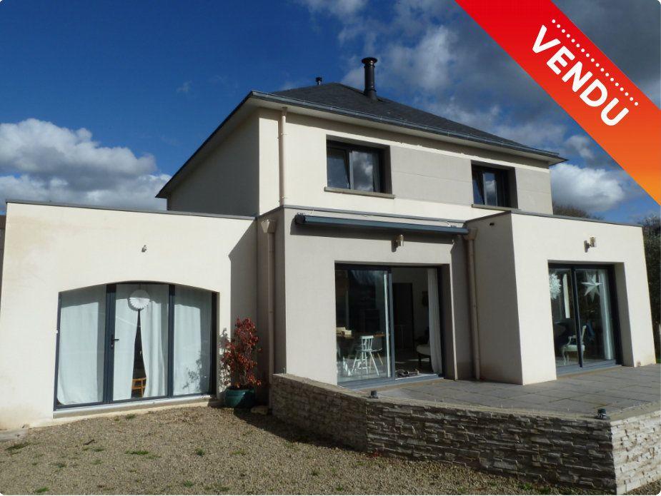 Maison à vendre 6 144m2 à Quimper vignette-1