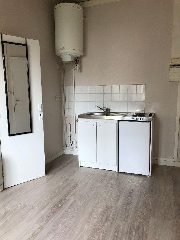 Appartement à louer 1 16m2 à Quimper vignette-4