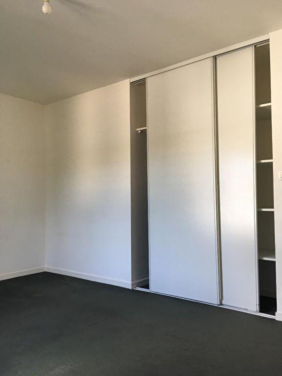 Appartement à louer 3 72.34m2 à Quimper vignette-5