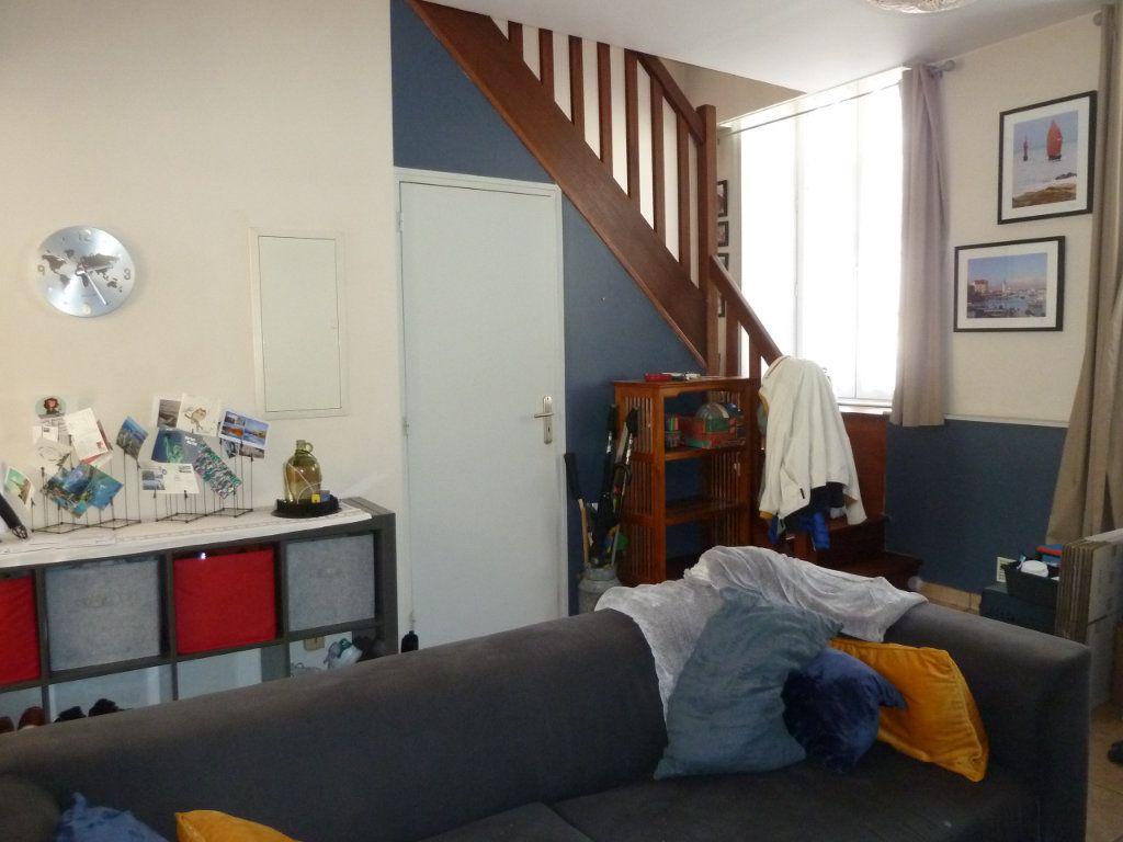 Appartement à vendre 5 100m2 à Quimper vignette-4