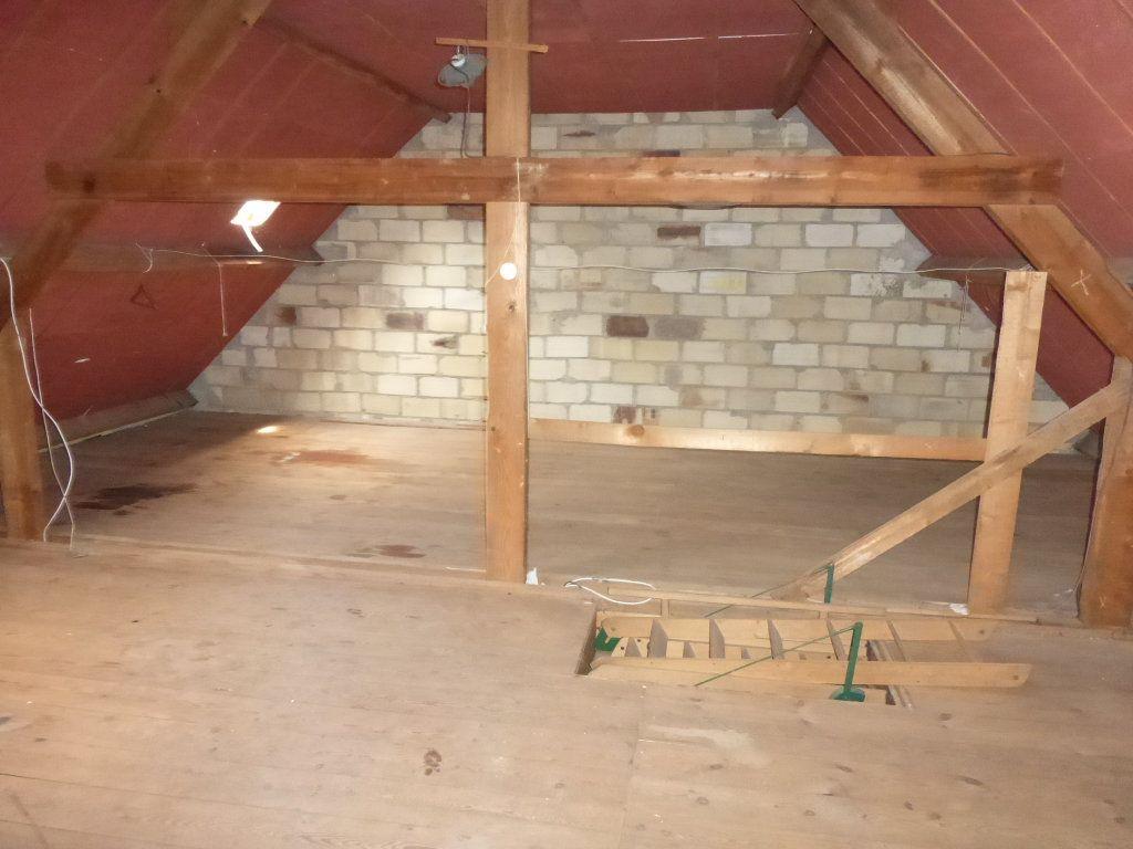 Maison à vendre 5 124m2 à Quimper vignette-9