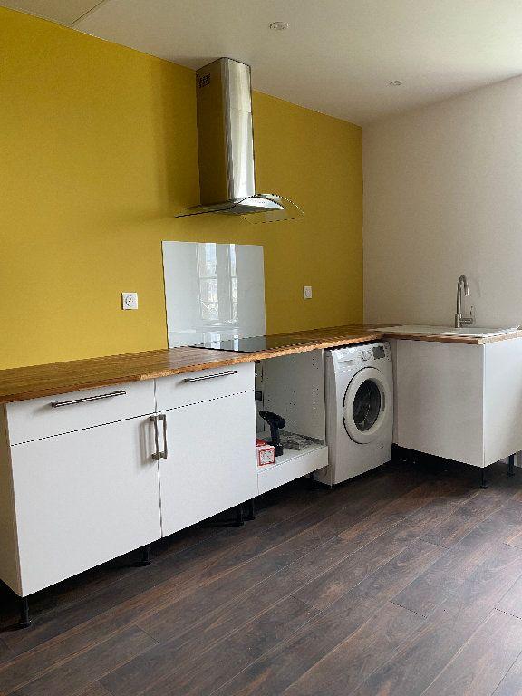 Appartement à louer 3 68m2 à Quimper vignette-2