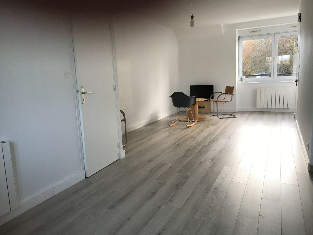 Appartement à vendre 2 41m2 à Pleuven vignette-1