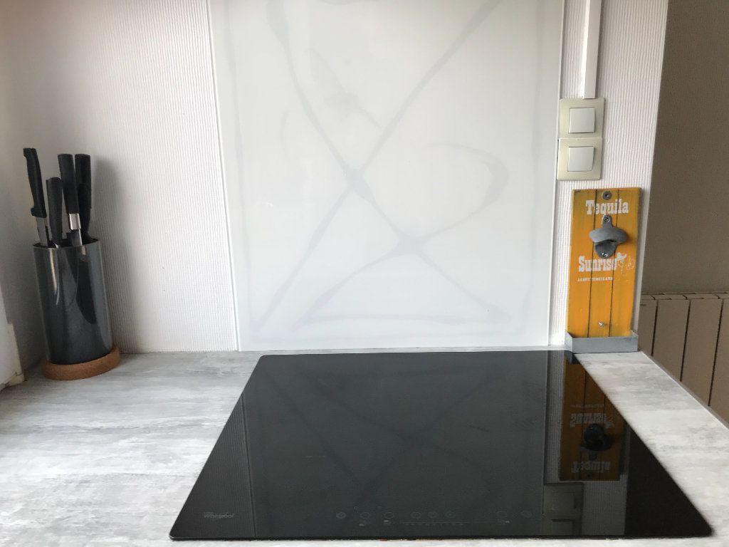 Appartement à vendre 2 41m2 à Pleuven vignette-3