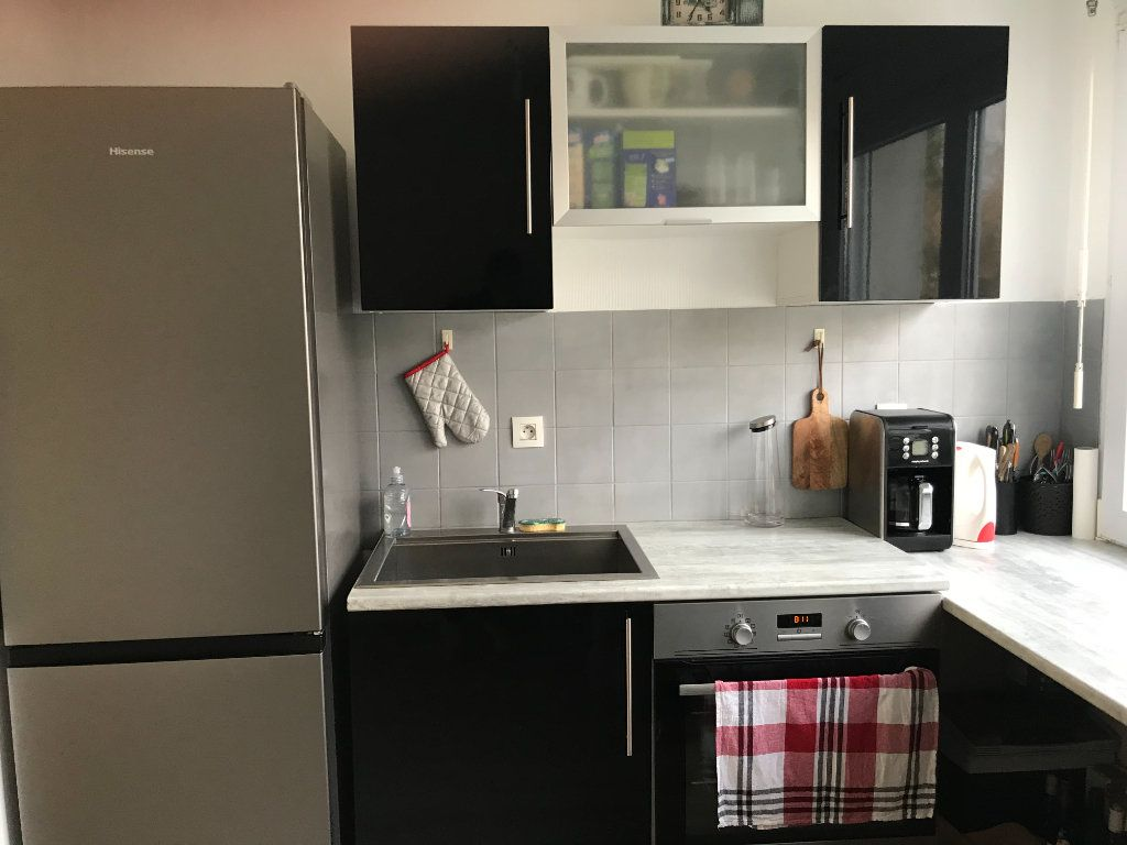 Appartement à vendre 2 41m2 à Pleuven vignette-4