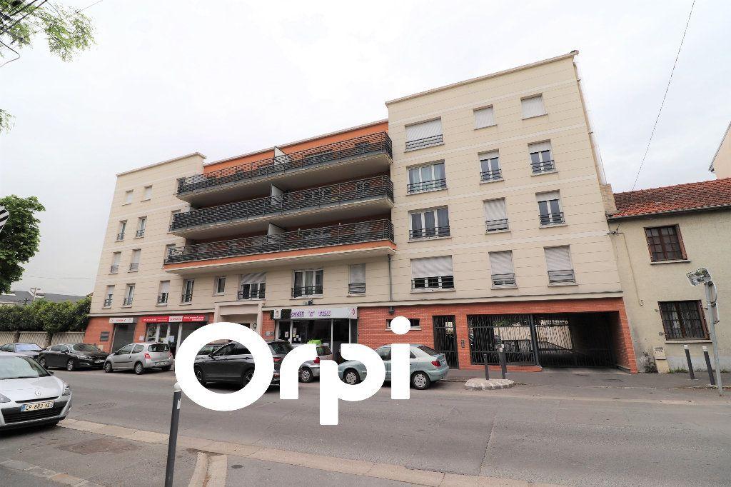 Appartement à vendre 3 66.58m2 à Sevran vignette-1