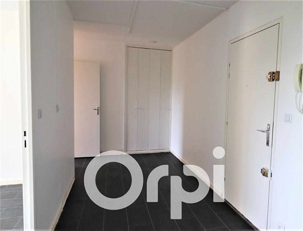 Appartement à louer 2 53.47m2 à Sevran vignette-3