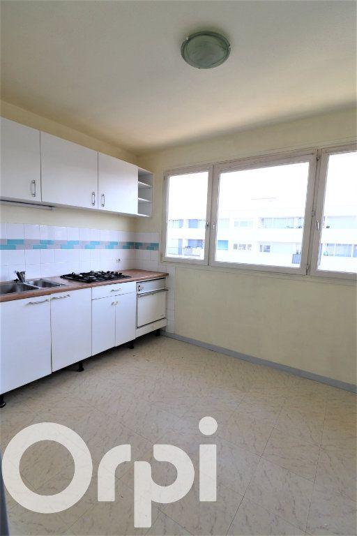 Appartement à louer 2 56.91m2 à Sevran vignette-2