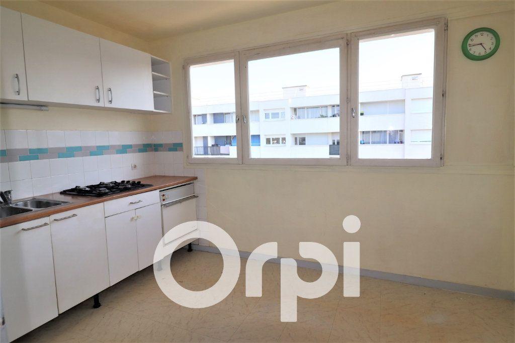Appartement à louer 2 56.91m2 à Sevran vignette-3