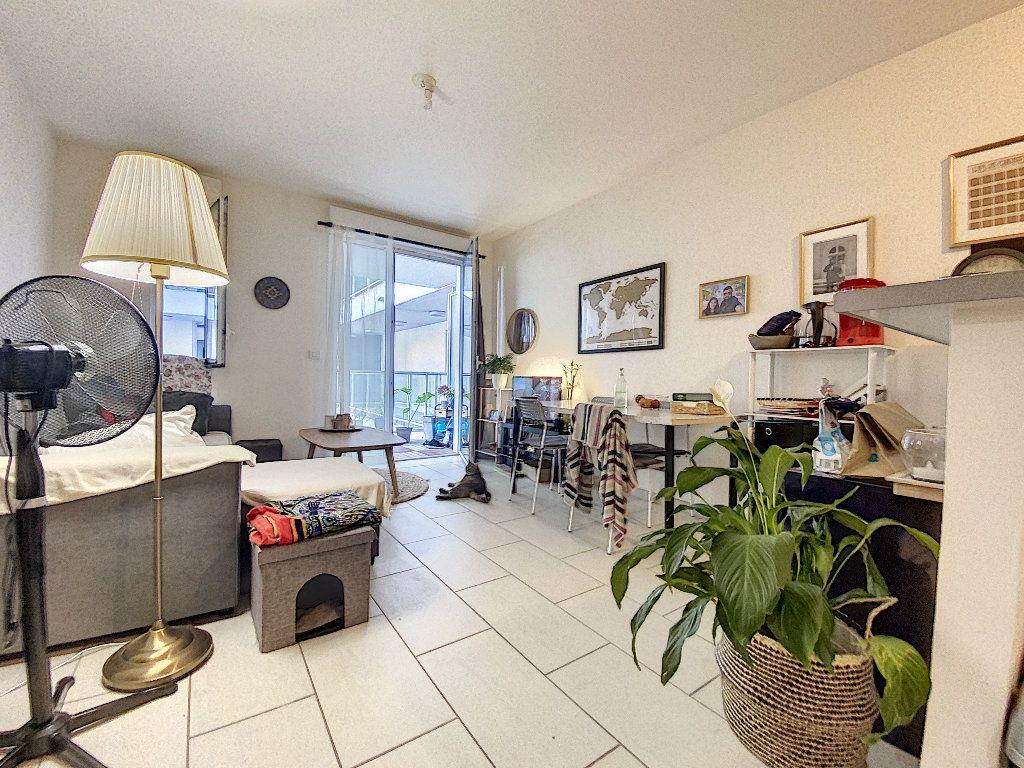 Appartement à vendre 2 41.01m2 à La Rochelle vignette-3
