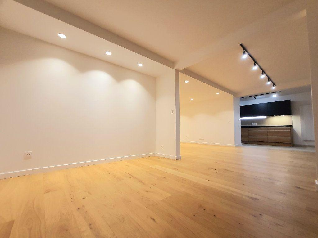 Appartement à vendre 4 93.95m2 à La Rochelle vignette-2