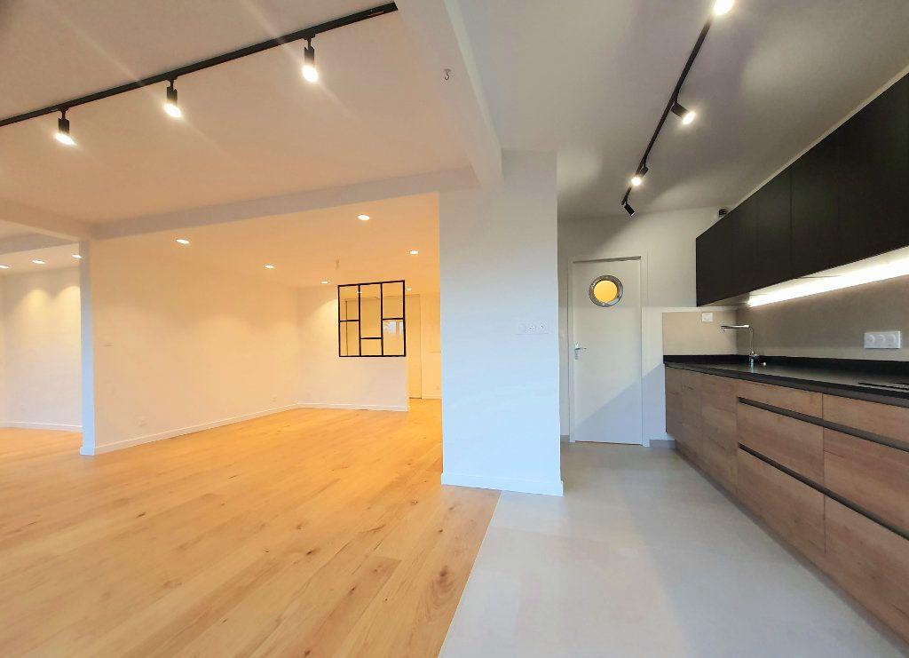 Appartement à vendre 4 93.95m2 à La Rochelle vignette-3