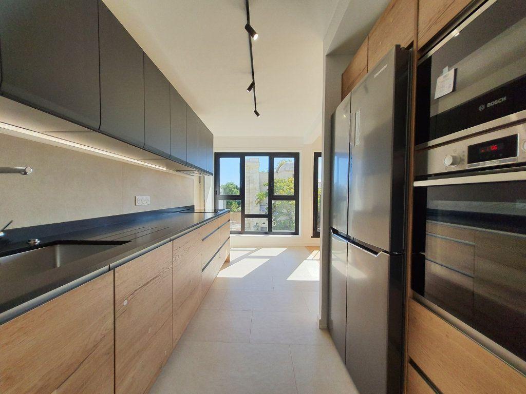 Appartement à vendre 4 93.95m2 à La Rochelle vignette-4