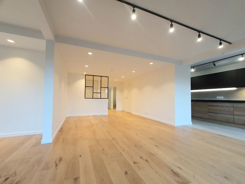 Appartement à vendre 4 93.95m2 à La Rochelle vignette-6