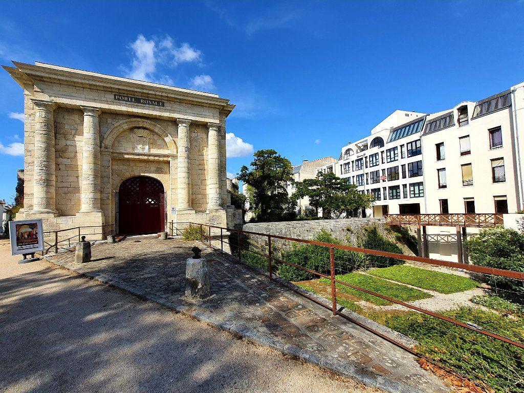 Appartement à vendre 4 93.95m2 à La Rochelle vignette-12
